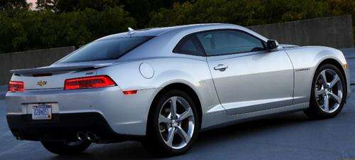 Figure 2 The 2015 Chevrolet Camaro sports what is now a barely noticeable shark fin antenna module on the roof. These modules contain everything from FM to SiriusXM, plus cellular and GPS. (Image: GM Creative Commons License)